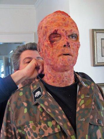 20130828195651-zombie